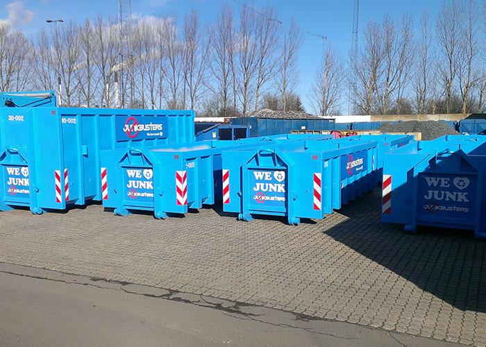 Jeg er glad for, at I vil læse med. I dag herinde vil jeg give nogle gode råd til, hvordan du kan få en affaldscontainer derhjem.